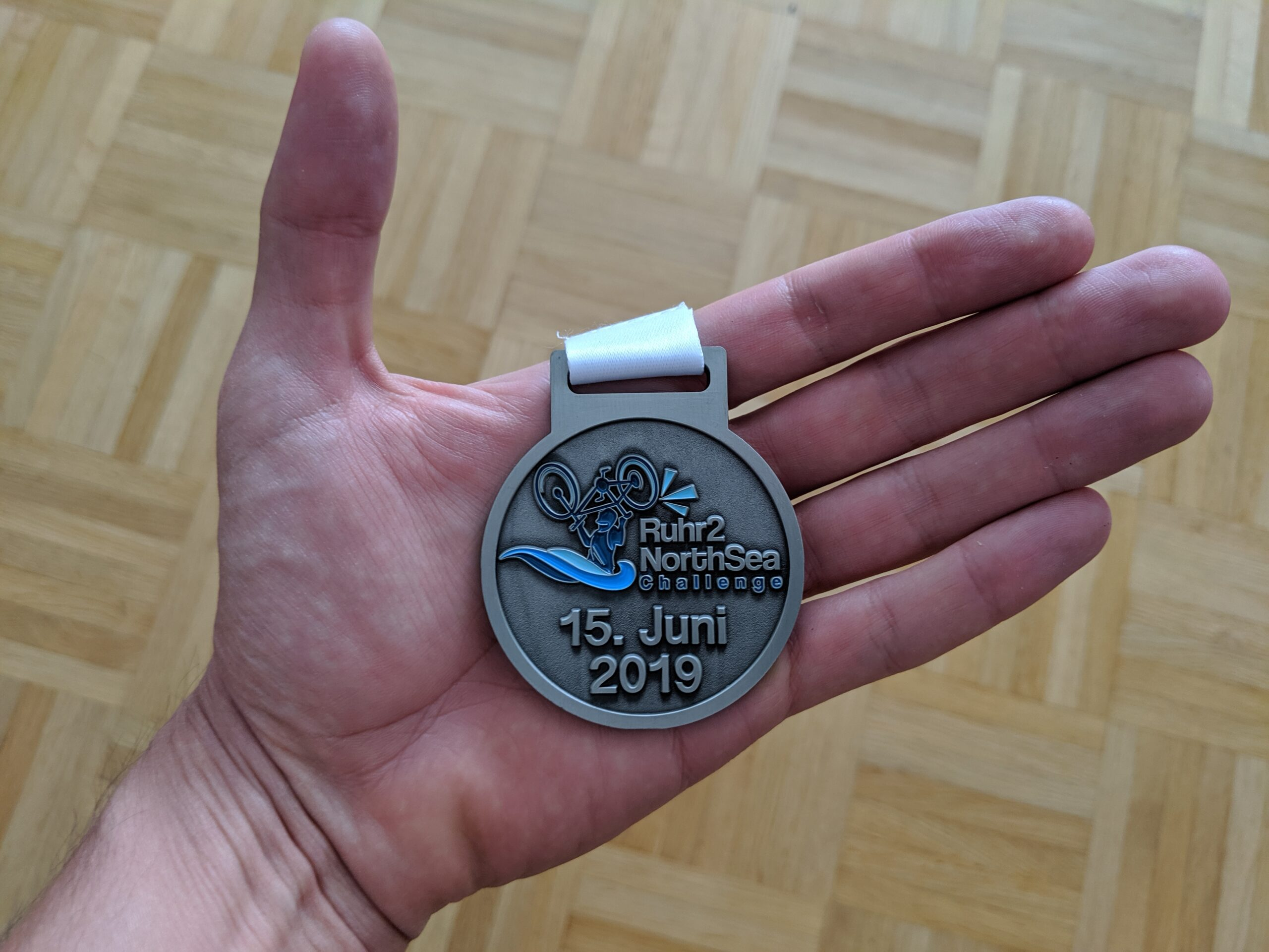 Eine Finisher-Medaille gab's übrigens auch.
